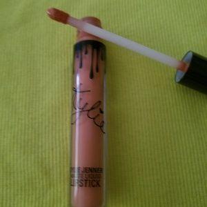Kylie Cosmetics Makeup - Kylie Matte liquid lipstick